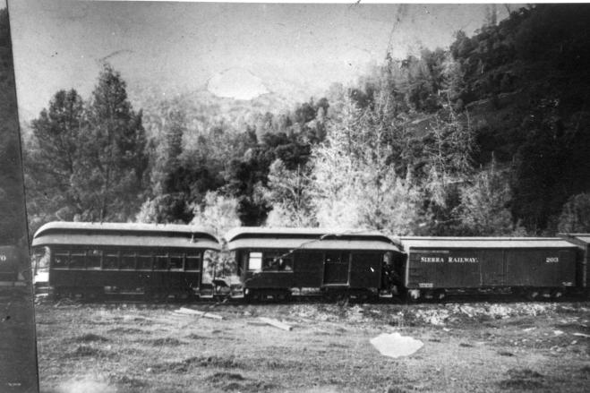1905. The Sierra No. 5 & 6 were involved in a crash on the switchbacks while descending the Stanislaus River canyon. Two people were killed in the crash, and both cars required extensive repairs.